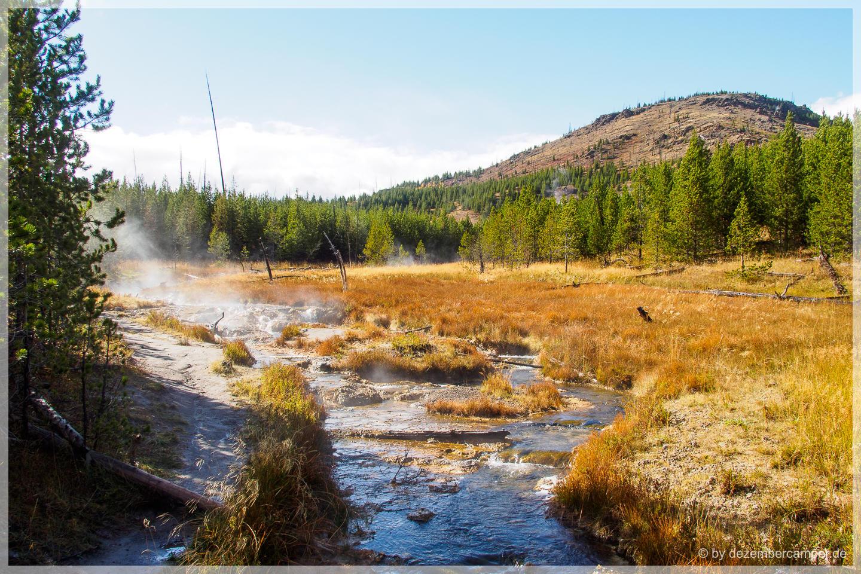 Yellowstone NP - Imperial Geysir Trail