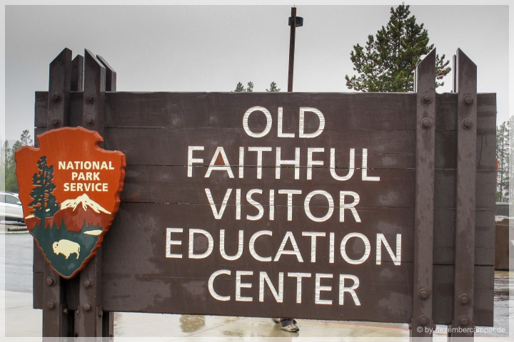 Yellowstone NP - Old Faithful Visitor Center