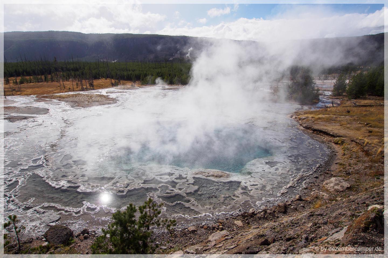 Yellowstone NP - Gem Pool