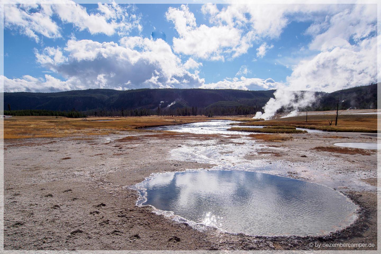 Yellowstone NP - Upper Geysir Basin