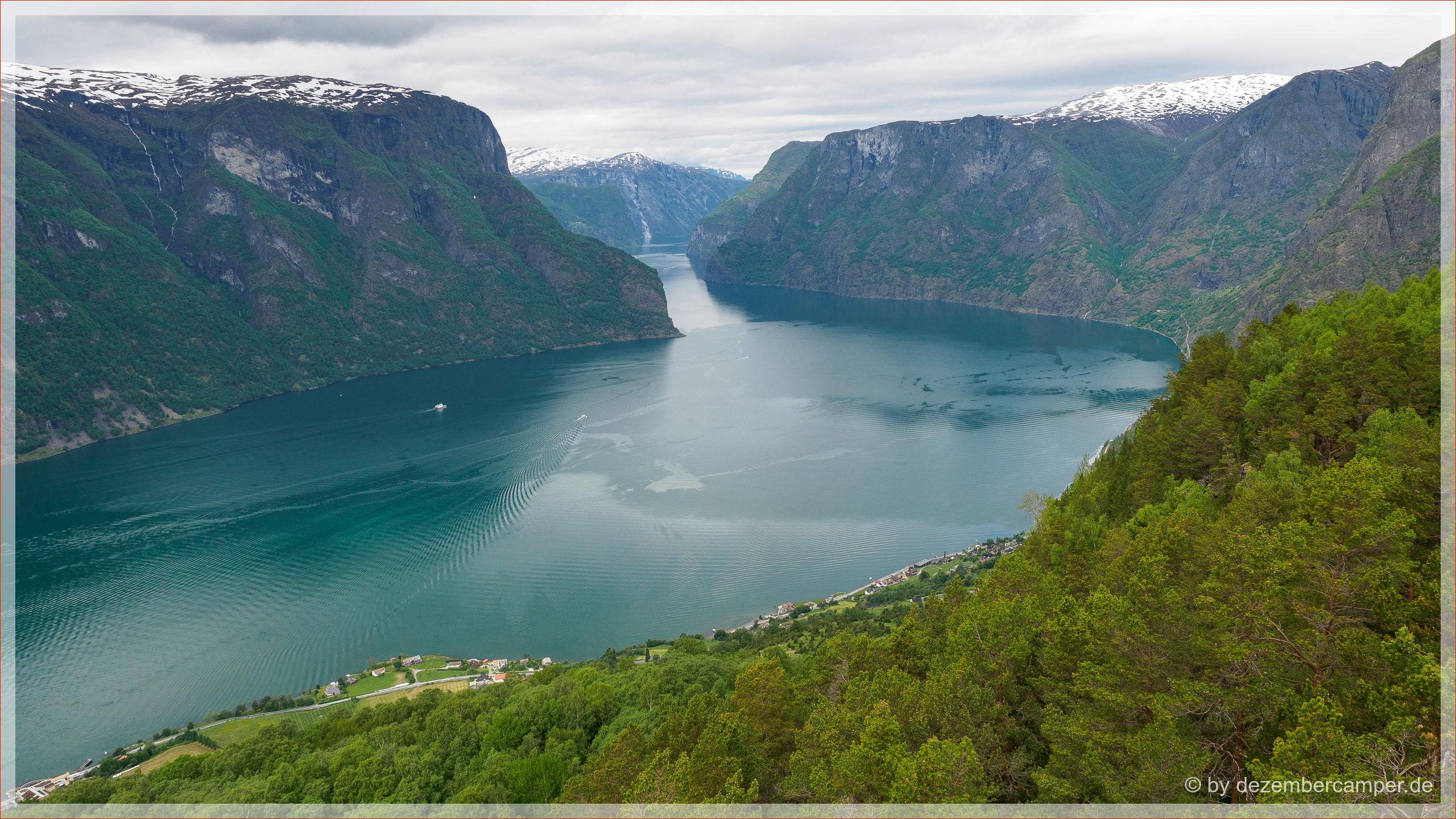 Blick auf den Aurlandsfjord