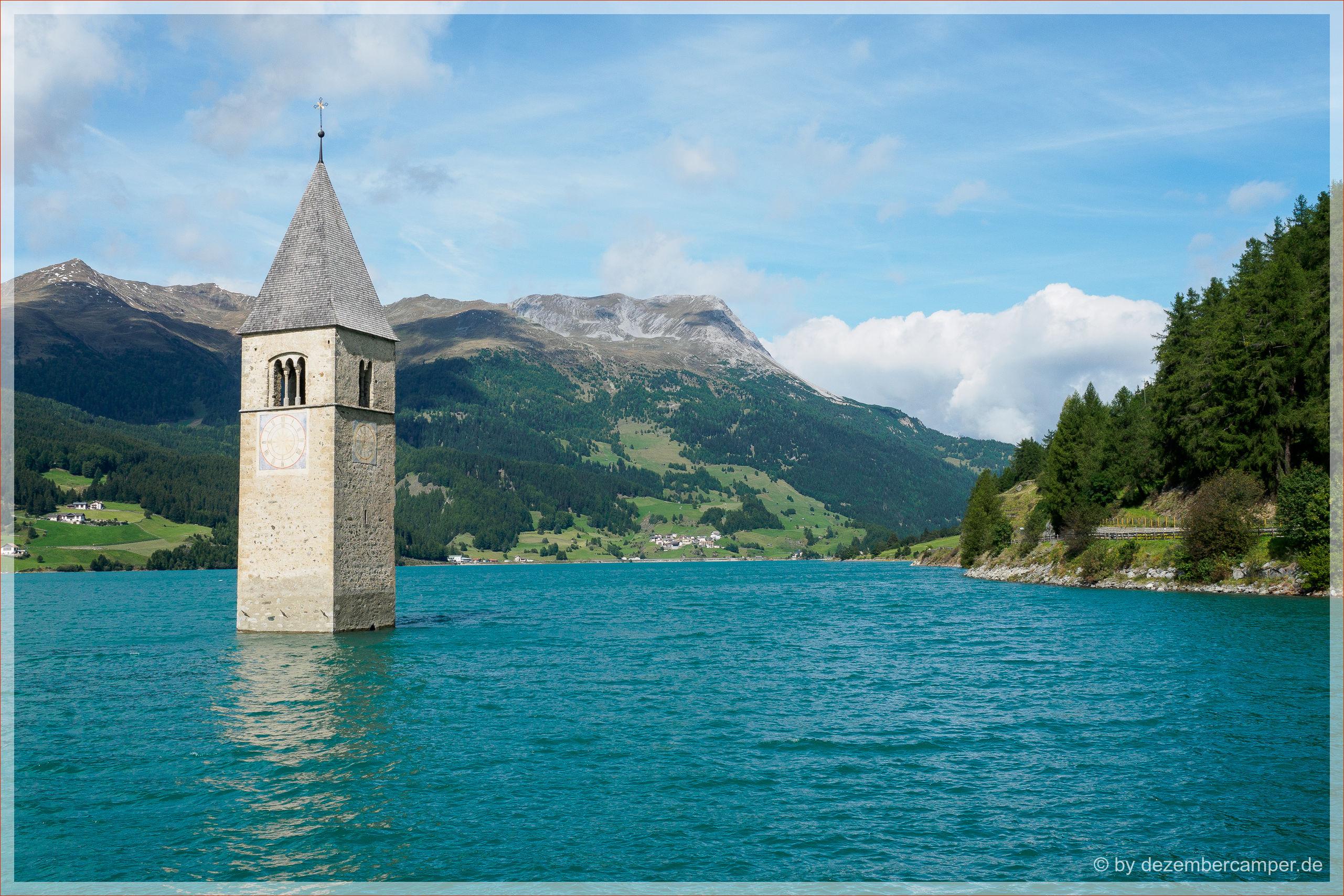 Reschensee mit Kirchturm